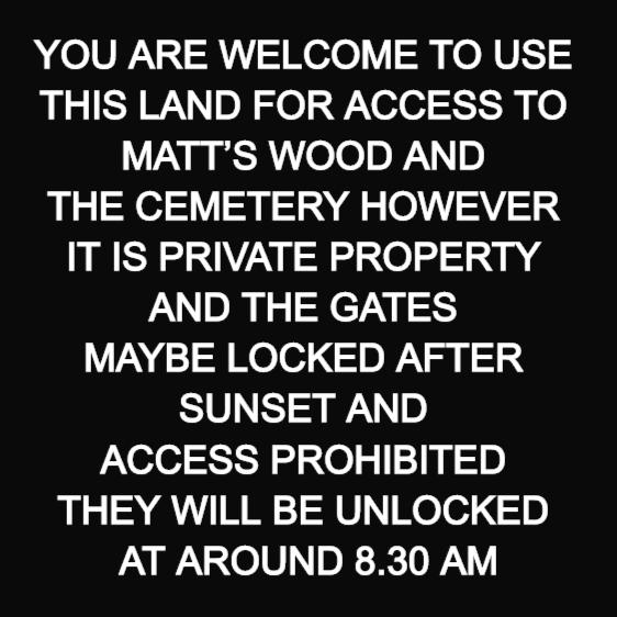 Custom gate sign